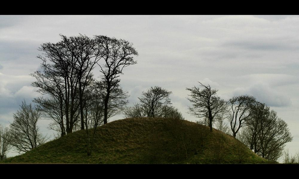 ...Hügelgrab...