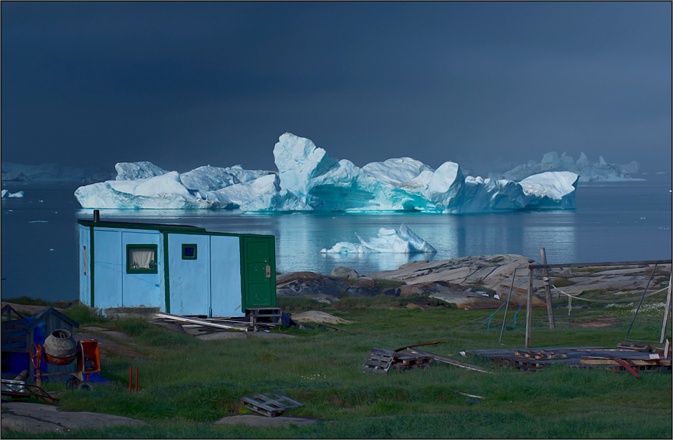 hütte und eisberge