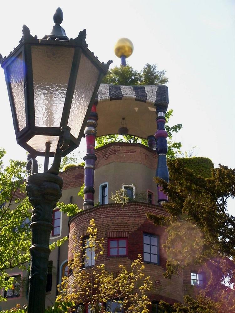 Hundertwasser an Laterne