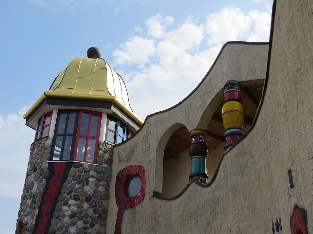 Hundertwasser Markthalle Altenrhein / ein Detail
