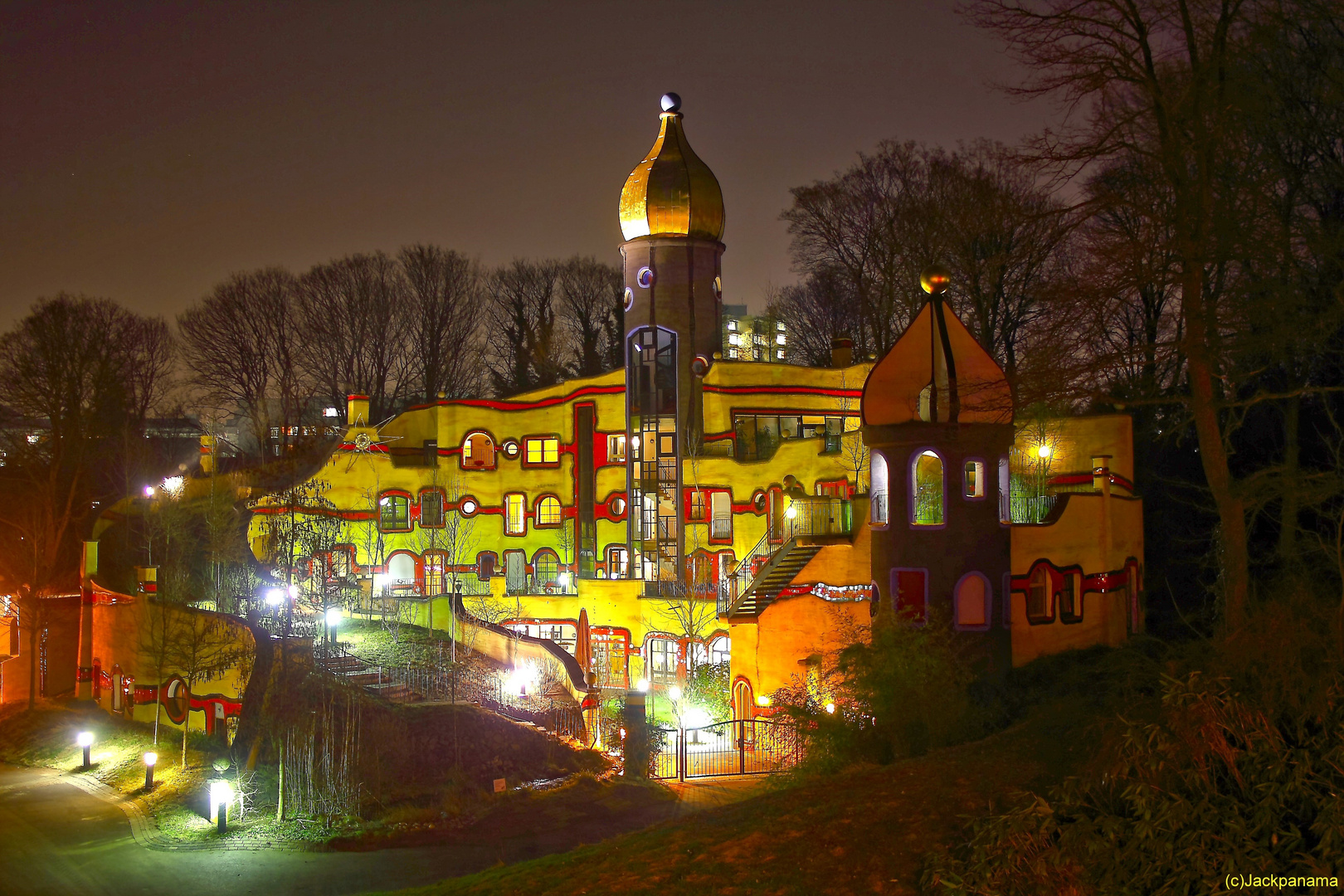 hundertwasserhaus im grugapark essen foto bild architektur architektur bei nacht. Black Bedroom Furniture Sets. Home Design Ideas