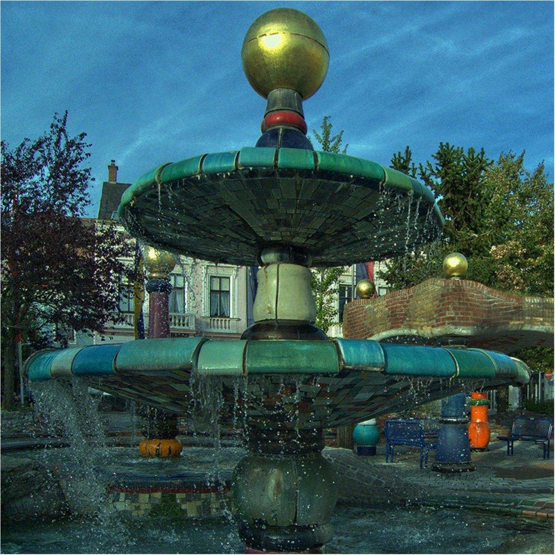 Hunertwasserbrunnen in Zwettl