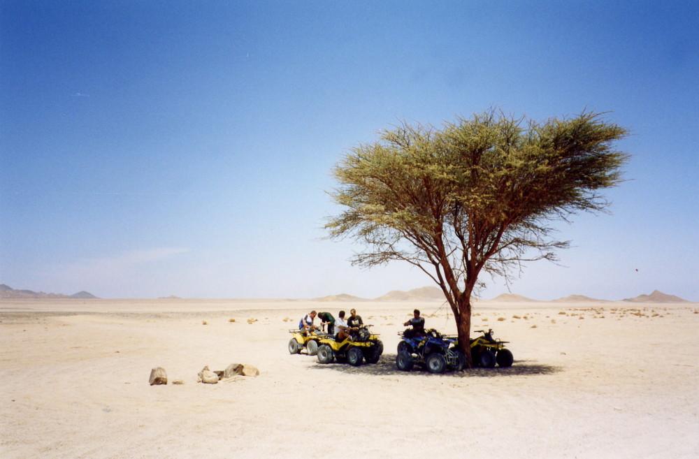 Hurgada , deserto e turisti