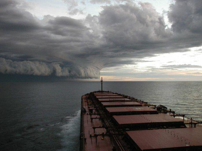 Hurricane vor der Kueste North Carolinas