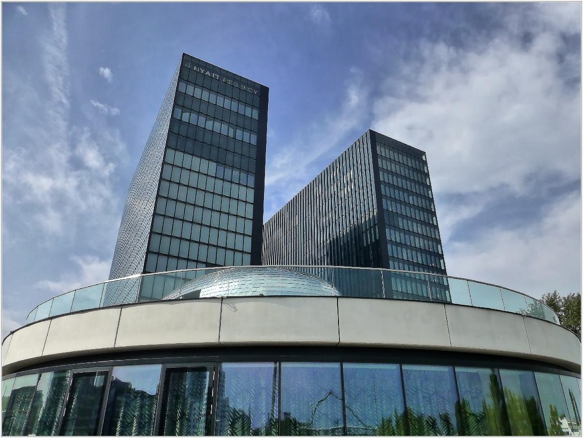 Hyatt Hotel im Düsseldorfer Medienhafen