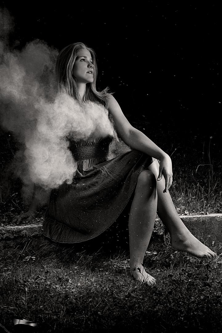 Hypnotic Dust