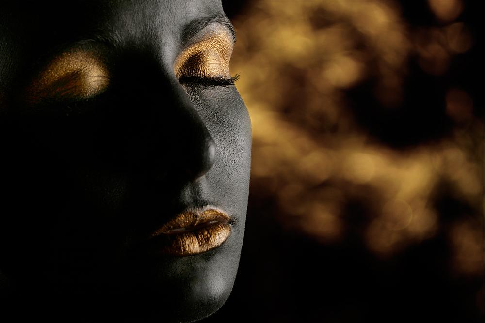 I** Black & Gold**I