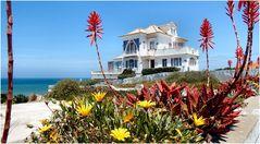 I found a pretty house at Praia das Maças.