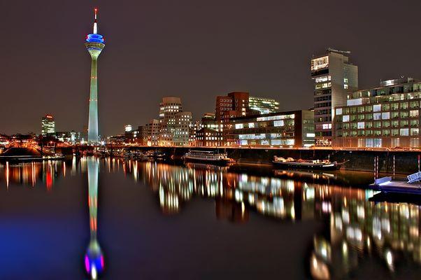 I l l u m i n a t i o n ----Düsseldorf I----