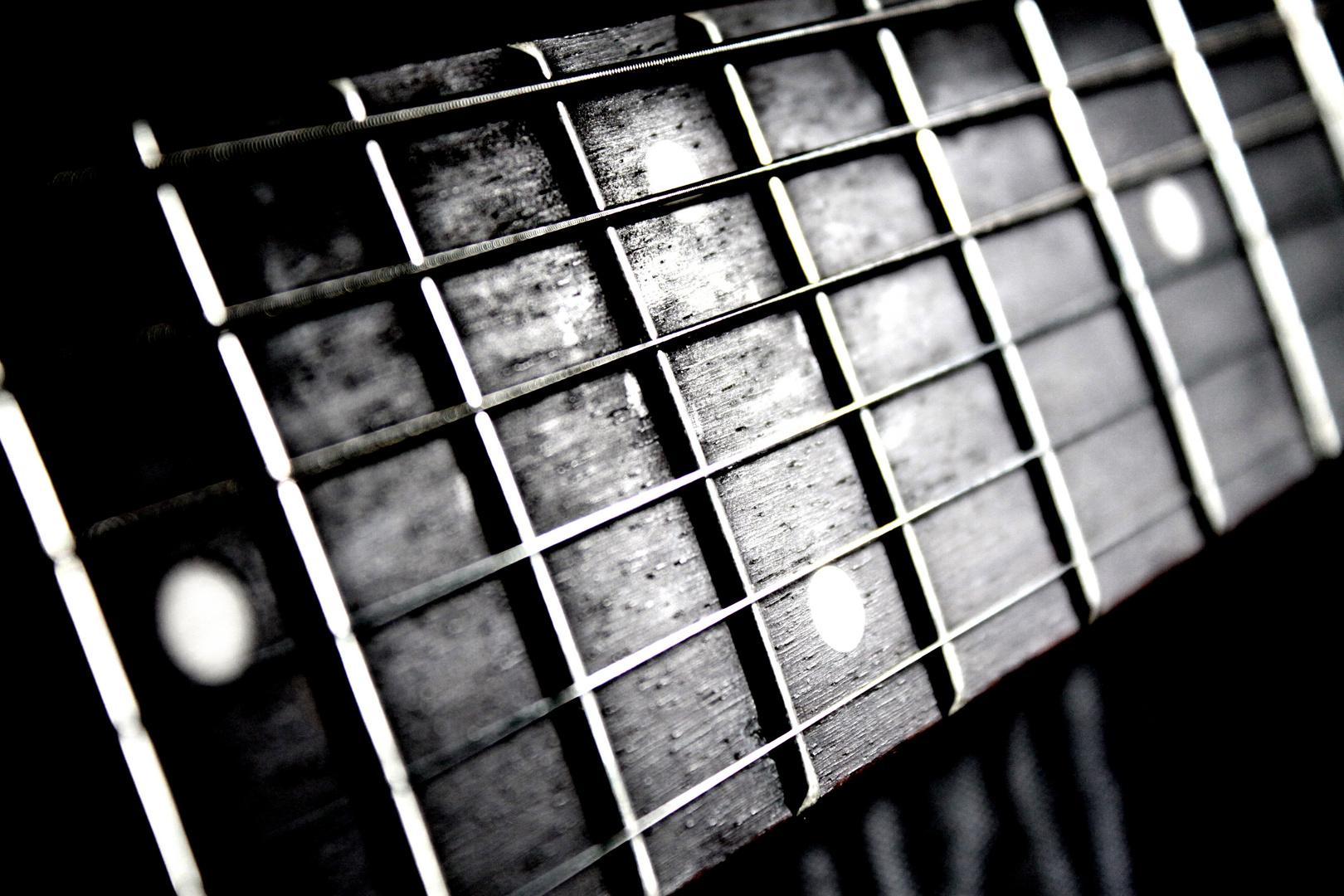 I love the sound of crashing guitars