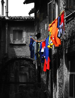 I panni... colorati si lavano in casa