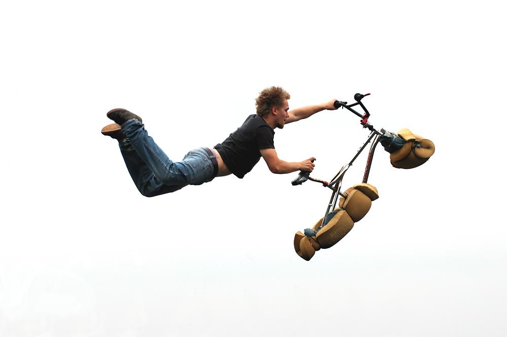 i want to flight my bike ;-)~