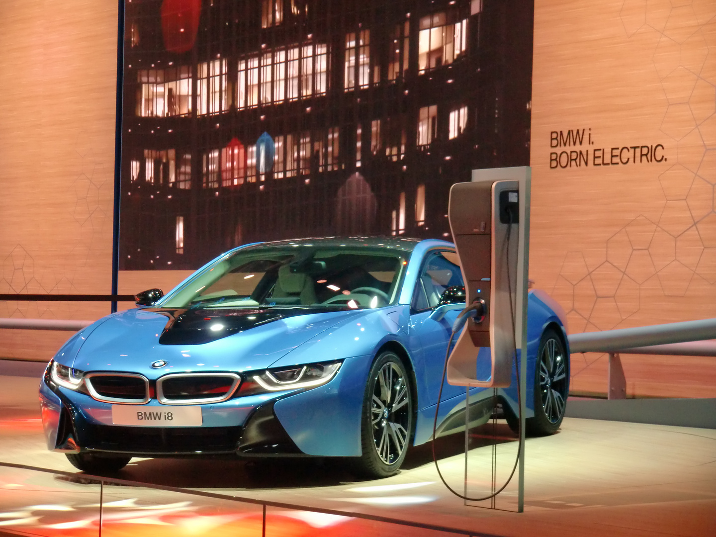 IAA 2013 - BMW i8, born electric