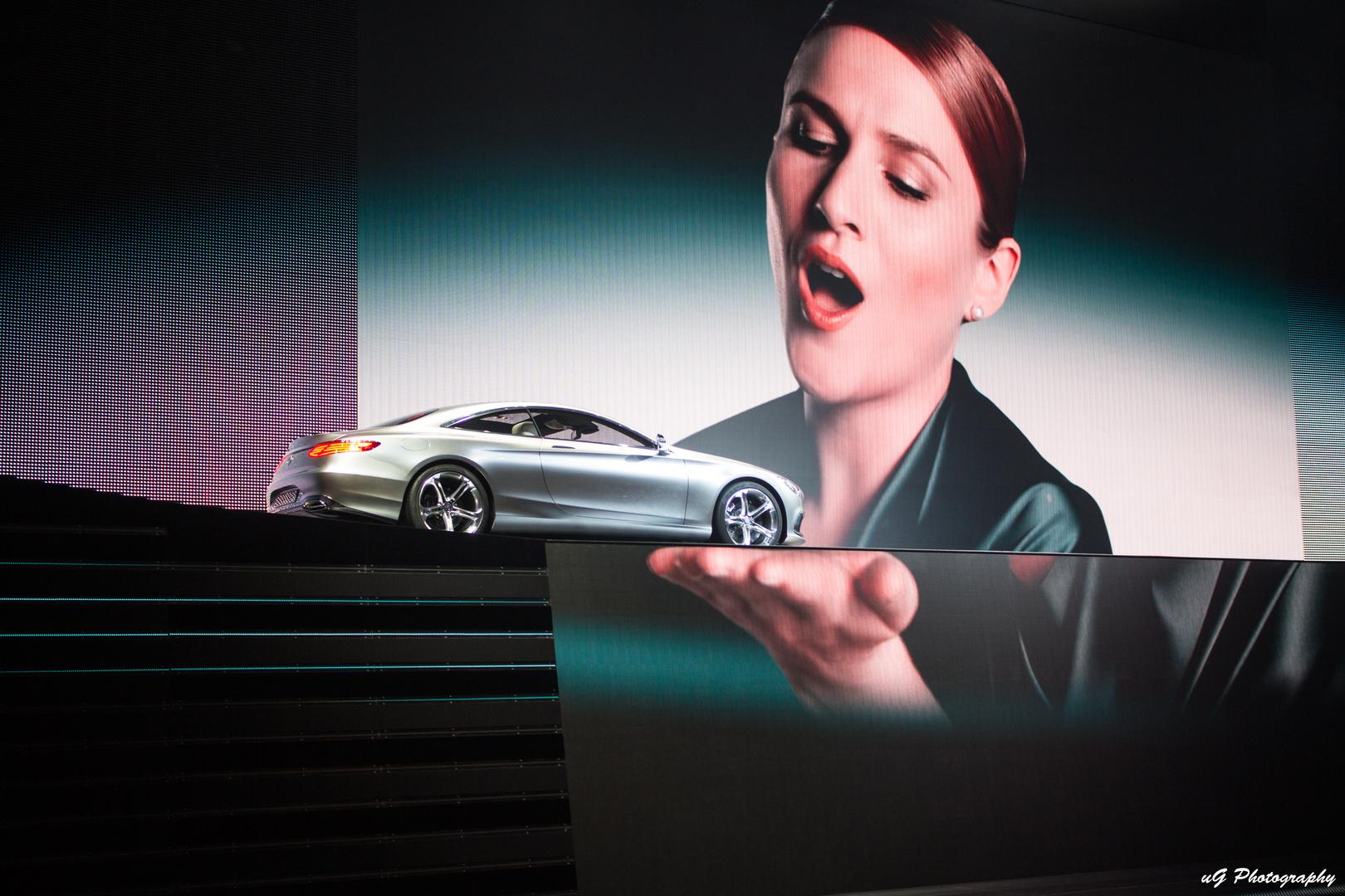 IAA - Mercedes Präsentation
