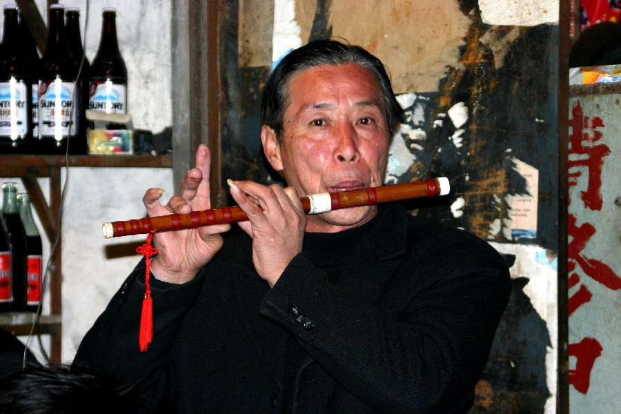 Ian Anderson*g in a street of Shanghai