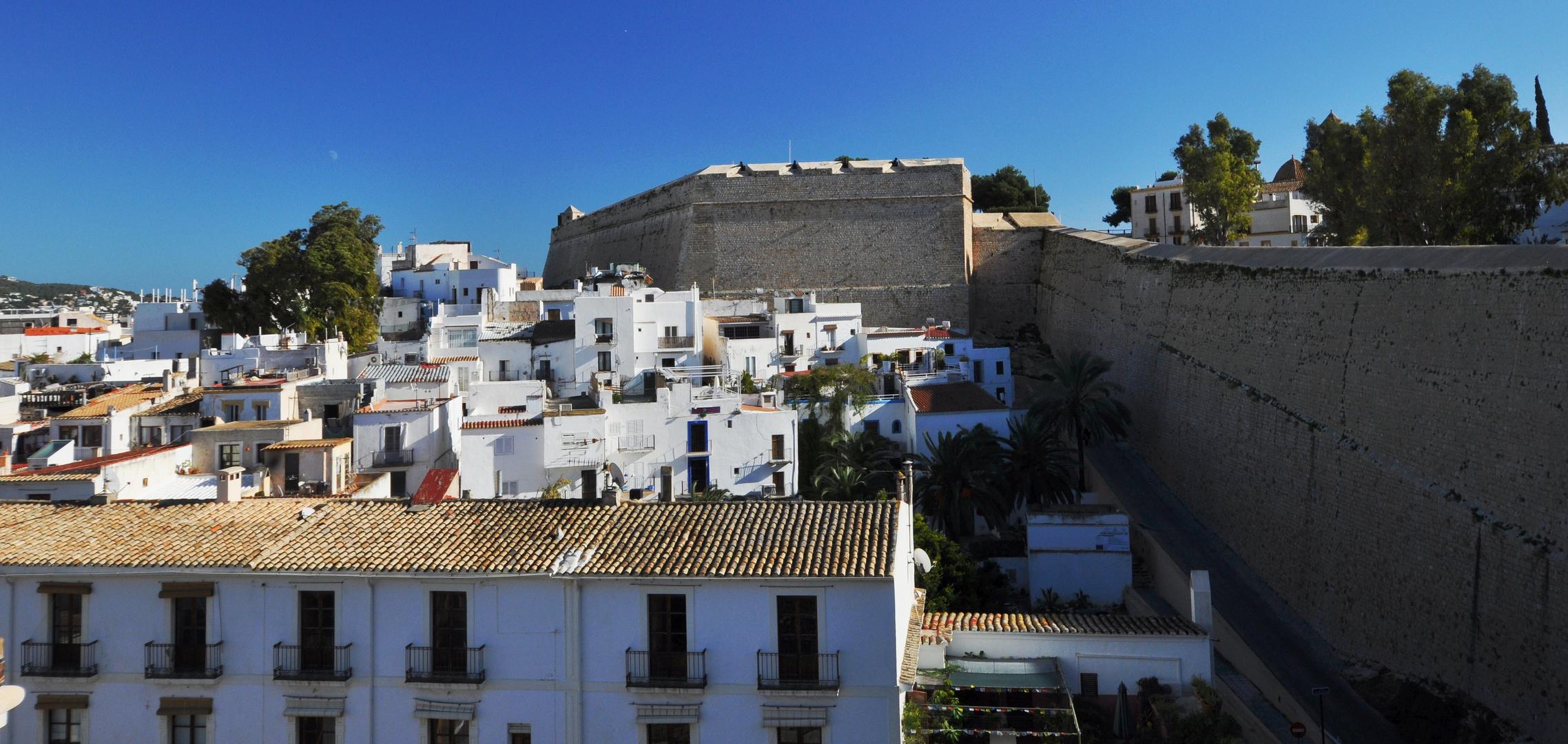 Ibiza: Wehrmauern von Dalt Vila