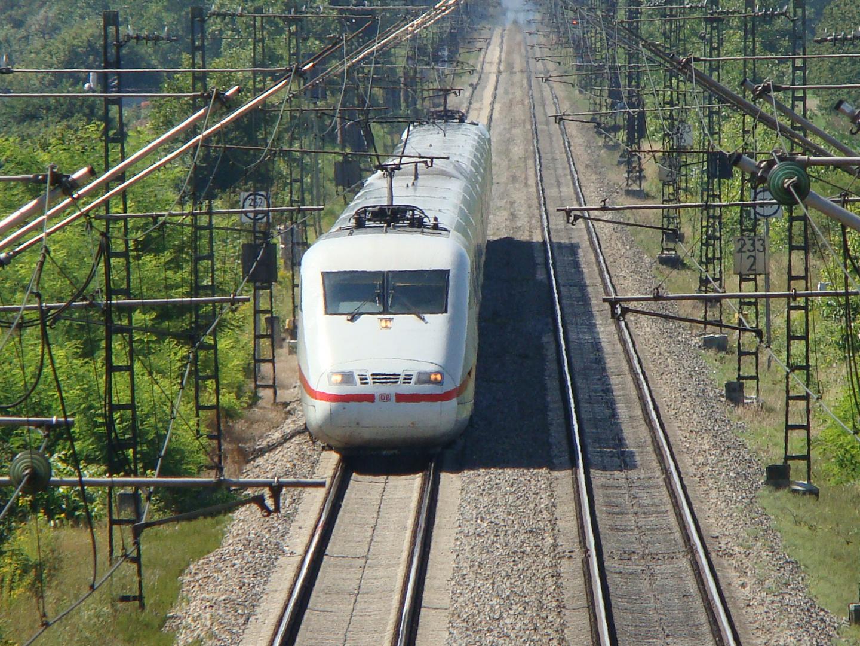 ICE 1 auf der Rheintalstrecke