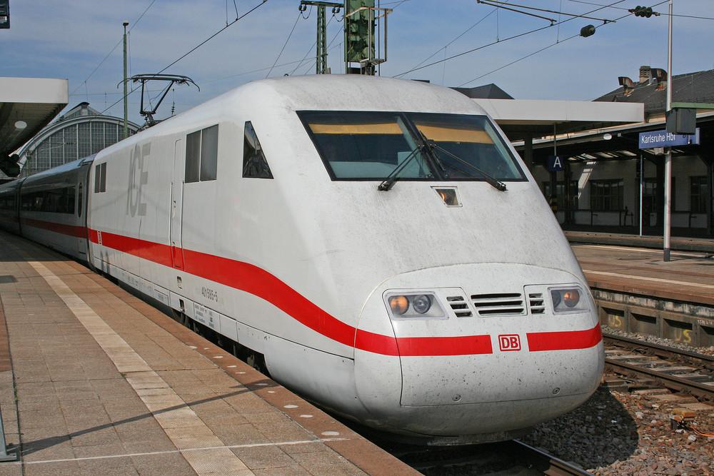 ICE 76 auf der Fahrt nach Kiel