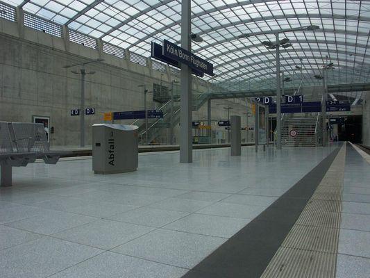 ICE Bahnhof Köln/Bonn.