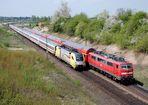 ICE-Ersatzzug trifft Mops-Ersatzzug