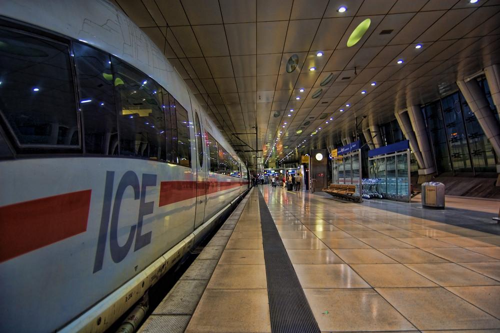 Ice @ Fernbahnhof Flughafen FFM