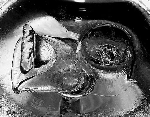 Ice in whiskey