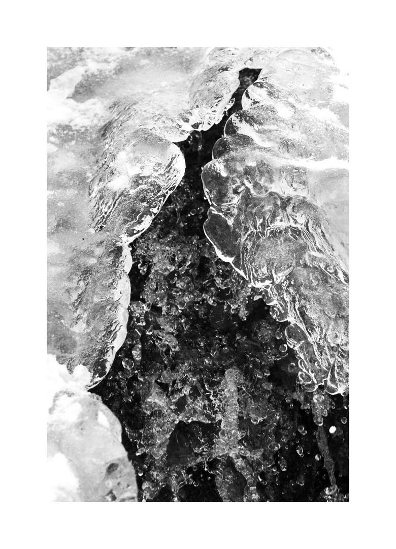 [iced] © Simon Wieland