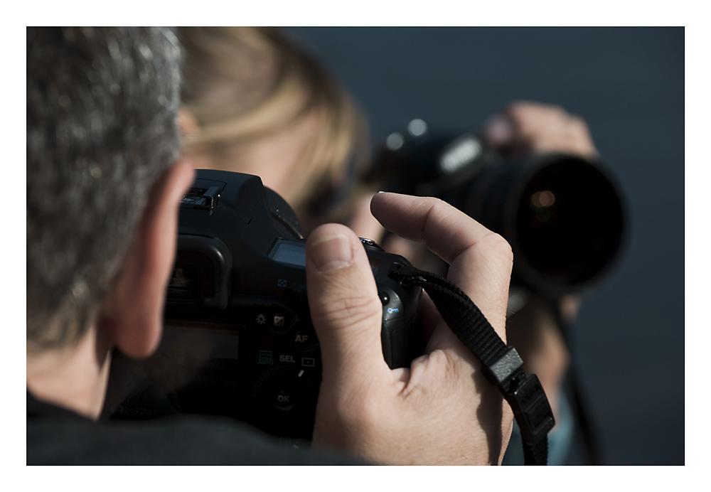 Ich bin der Fotograf, der einen Fotografen beim Fotografieren einer Fotografin fotografierte!