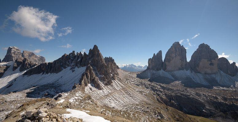 Ich bin wieder da. Mit den 5 mächtigsten Gipfel in den Sextener Dolomiten, ganz links der...