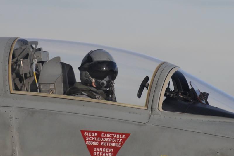 Ich darf fliegen, F5E Pilot beim Start