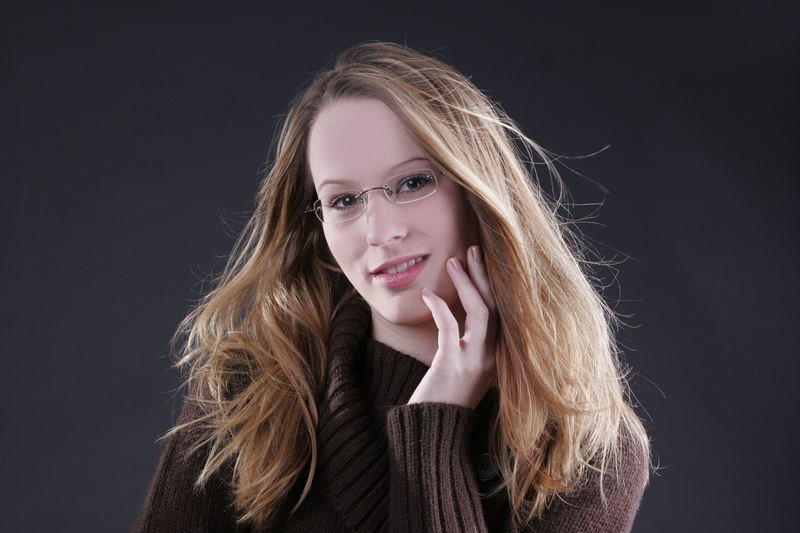 Ich mit Brille (die ich garnicht so gerne hab)