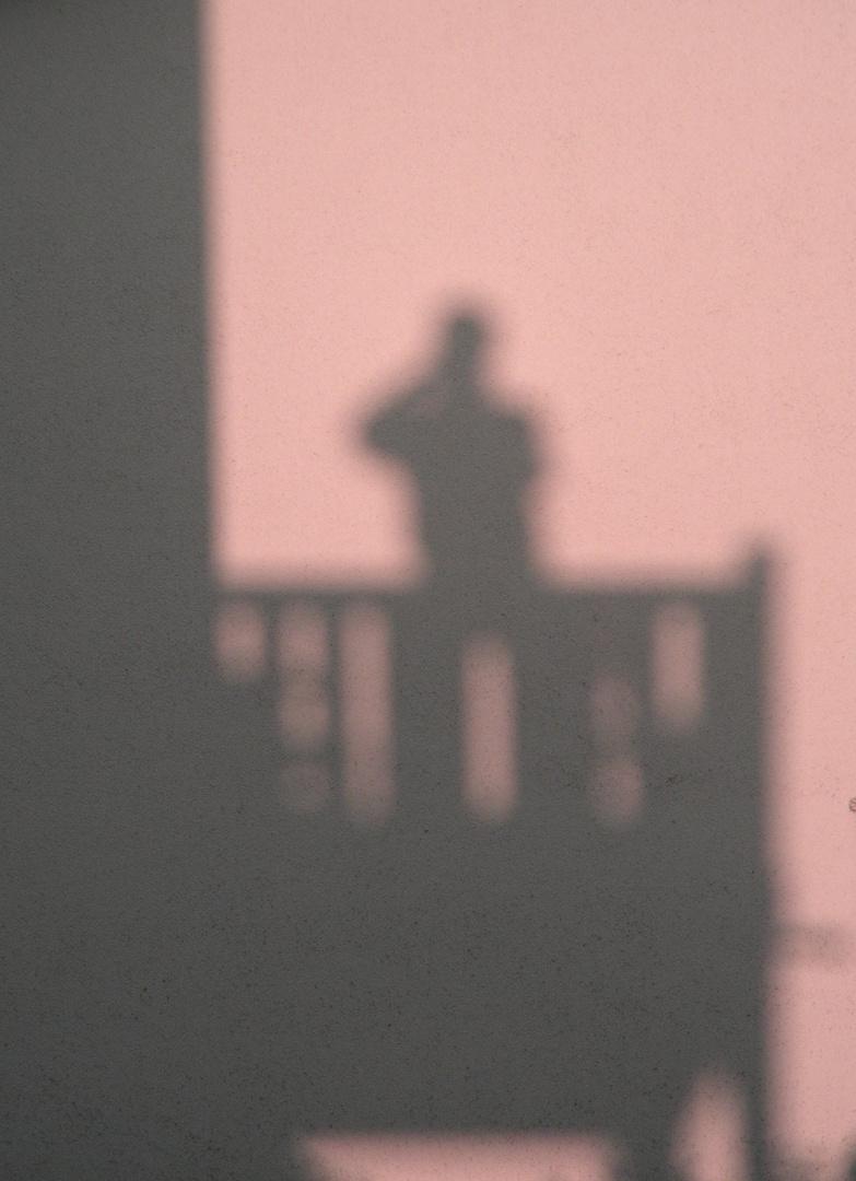 """""""Ich seh die Schatten an der Wand..."""""""