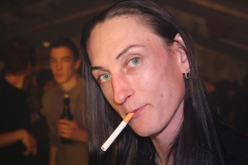 """""""ich will doch nur ne Zigarette anzünden..."""""""
