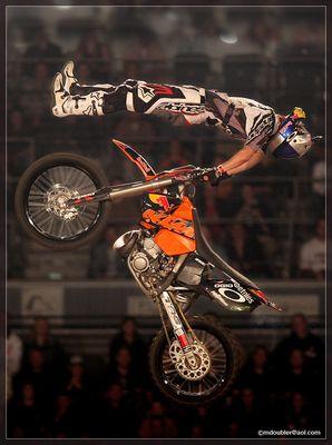 IFMXF - Night of the Jumps Köln 6 - Motocross-Yoga :-)