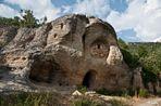 Iglesia rupestre de Arroyuelos (Cantabria)