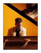 IiiIIiI The Piano Player IiiIIiI