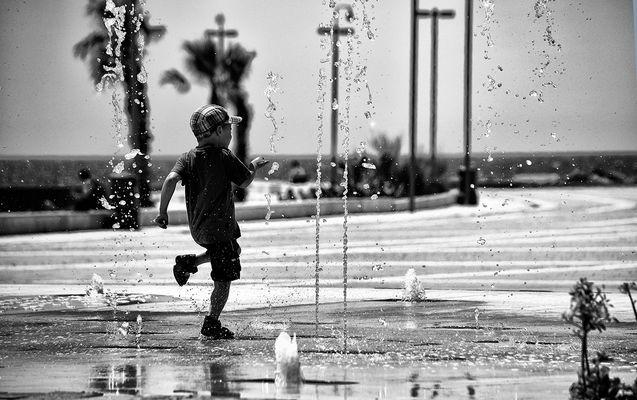 il bambino e la fontana magica