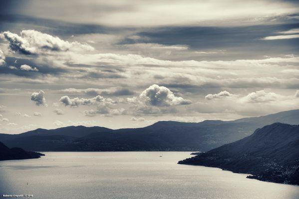 Il cielo sopra il lago