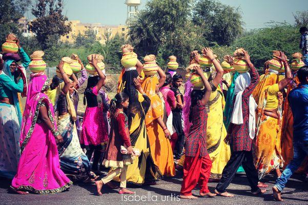 Il colore in processione...............