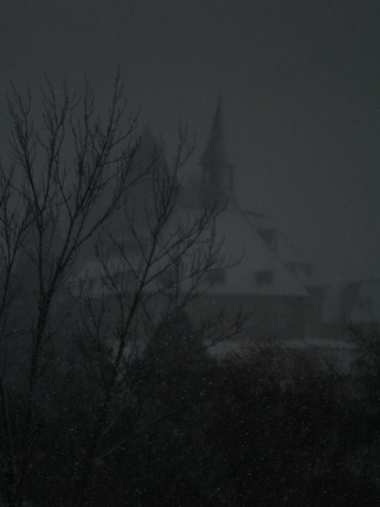 il est pourtant 14h ! tempête de neige sur égletons