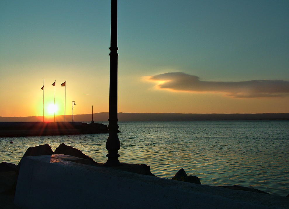 Il giorno che muore......, sul lago di Bolsena