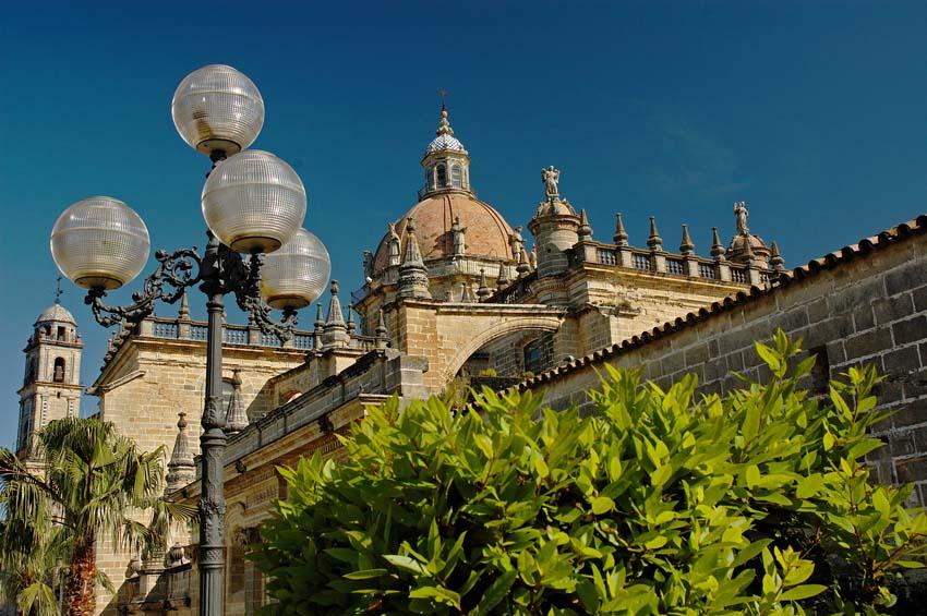 Il lampione e la Cattedrale