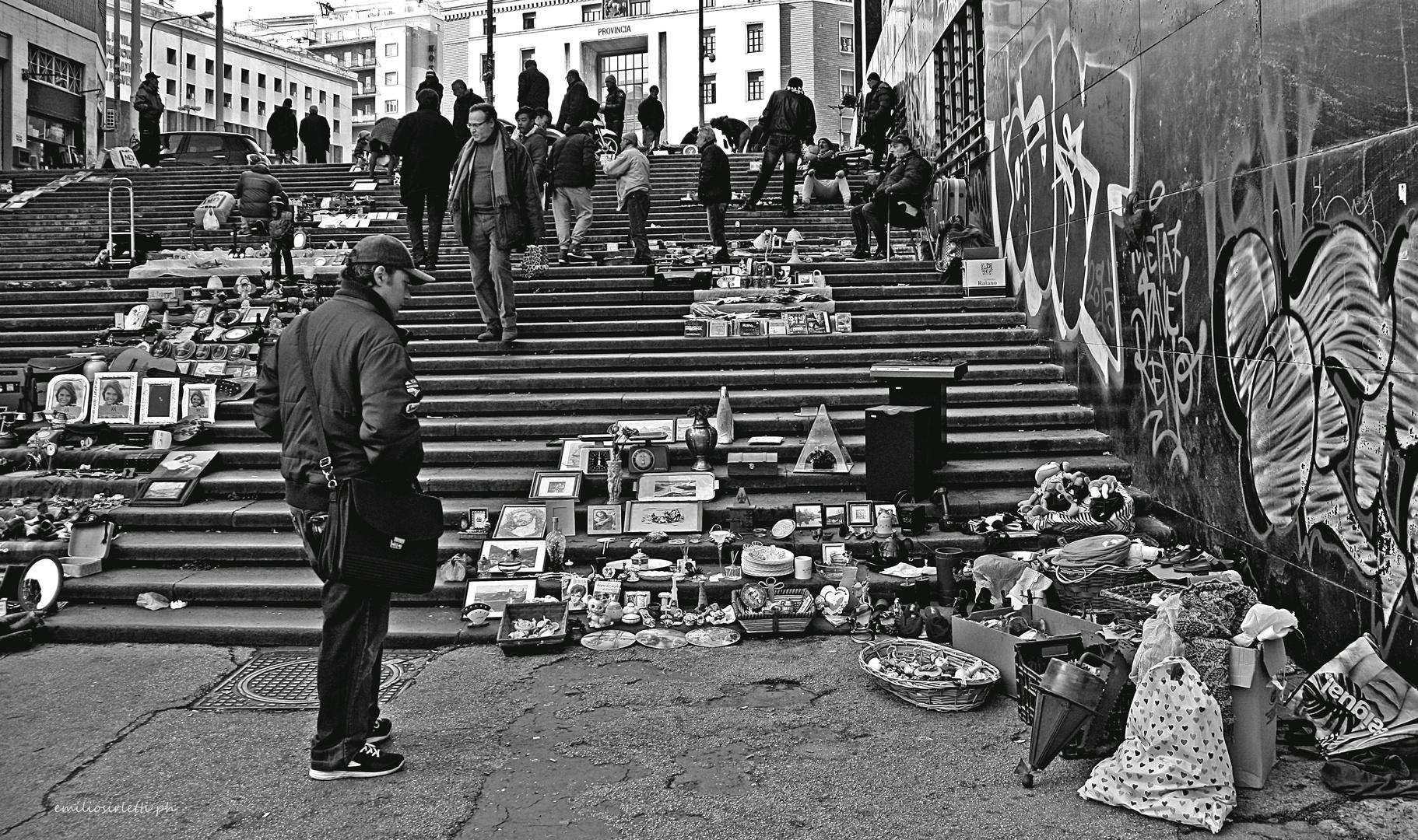 il mercatino dei ricordi  -  the little market of the memoirs