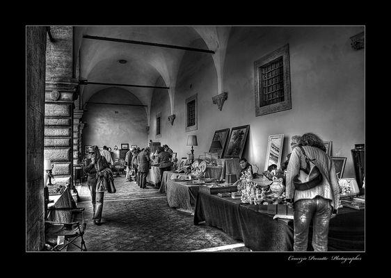 Il mercatino dell'antiquariato