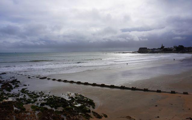 Il pleut à Larmor (Morbihan)