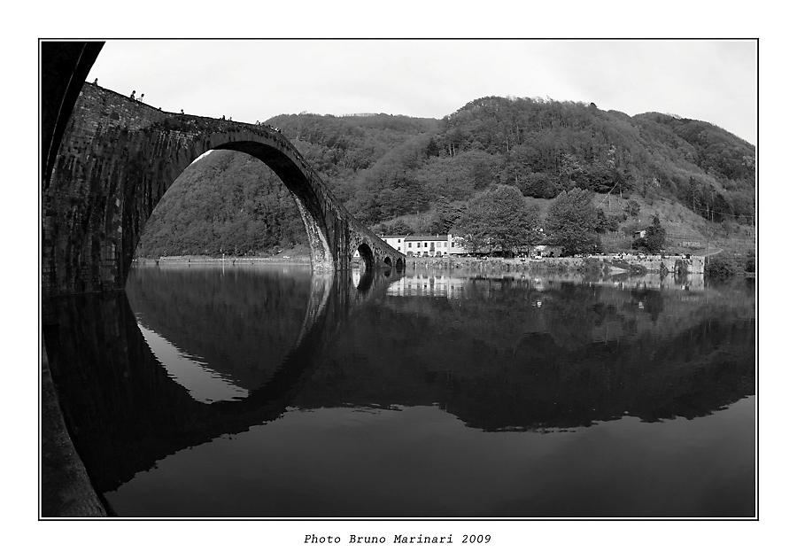 Il ponte della Maddalena detto anche il Ponte del Diavolo (LU)