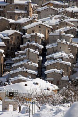Il profilo dei tetti delle case di Scanno.
