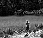 Il ragazzo che pesca alla  mosca