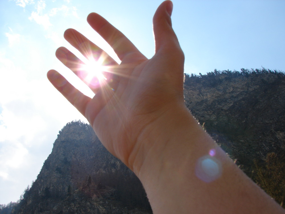 il sole tra le dita