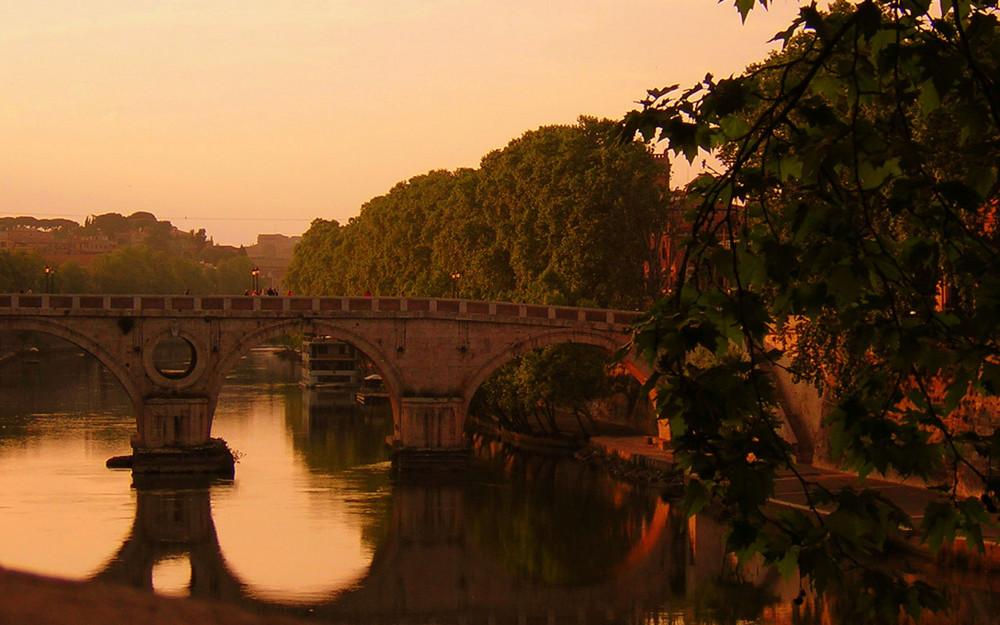 Il tramonto nella capitale